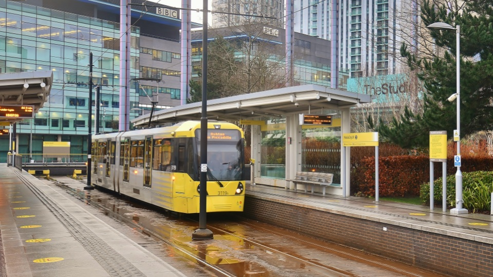https://www.hills.agency/content/uploads/2021/02/Salford-quays-and-media-city-transport-960x540-1.jpg
